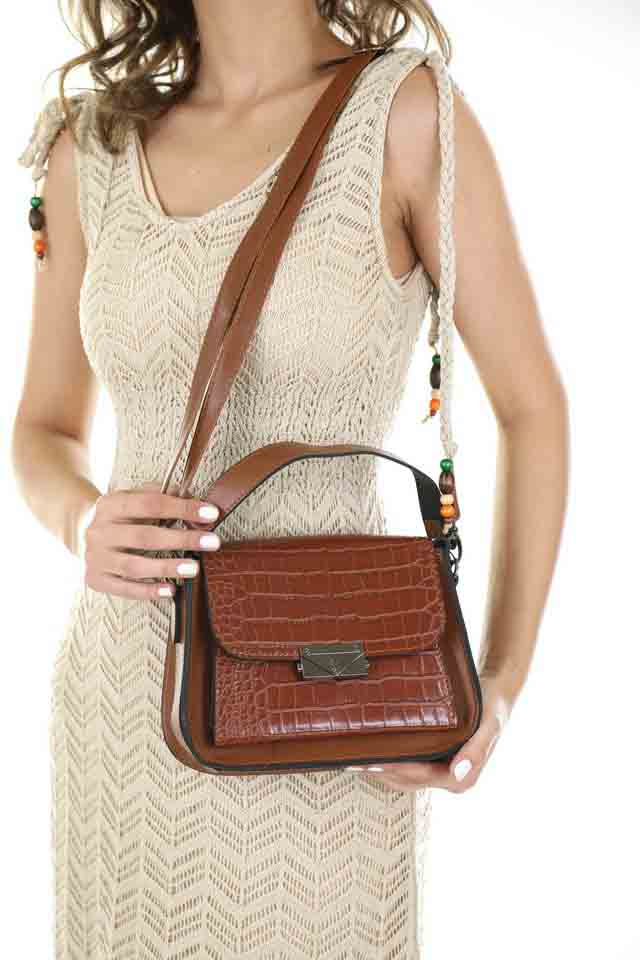 How To Match Handbag With Outfit and different occasions