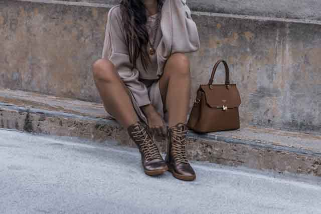 How To Match Handbag With Outfit